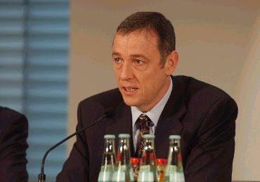 Andreas von Zitzewitz in a Nov 2003 Press Conference